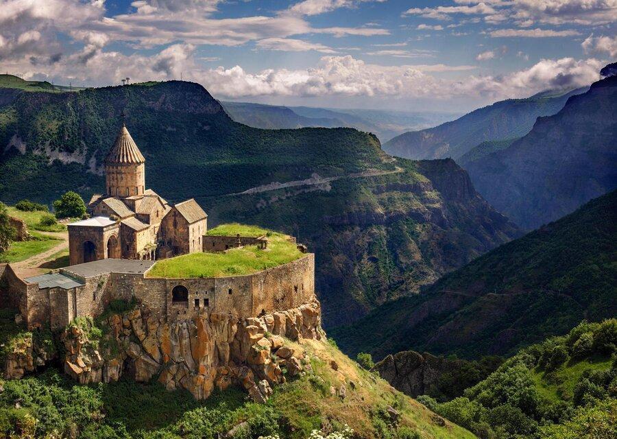 معرفی برترین مکان ها و جاذبه های دیدنی در سفر به ارمنستان