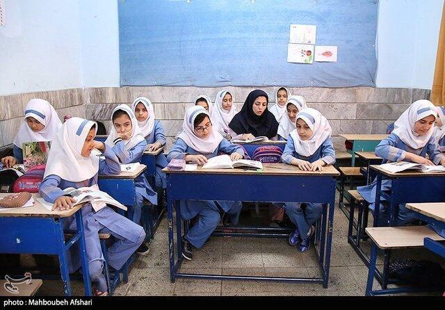 مدارس تحت هر شرایطی 15 شهریور ماه بازگشایی می شوند