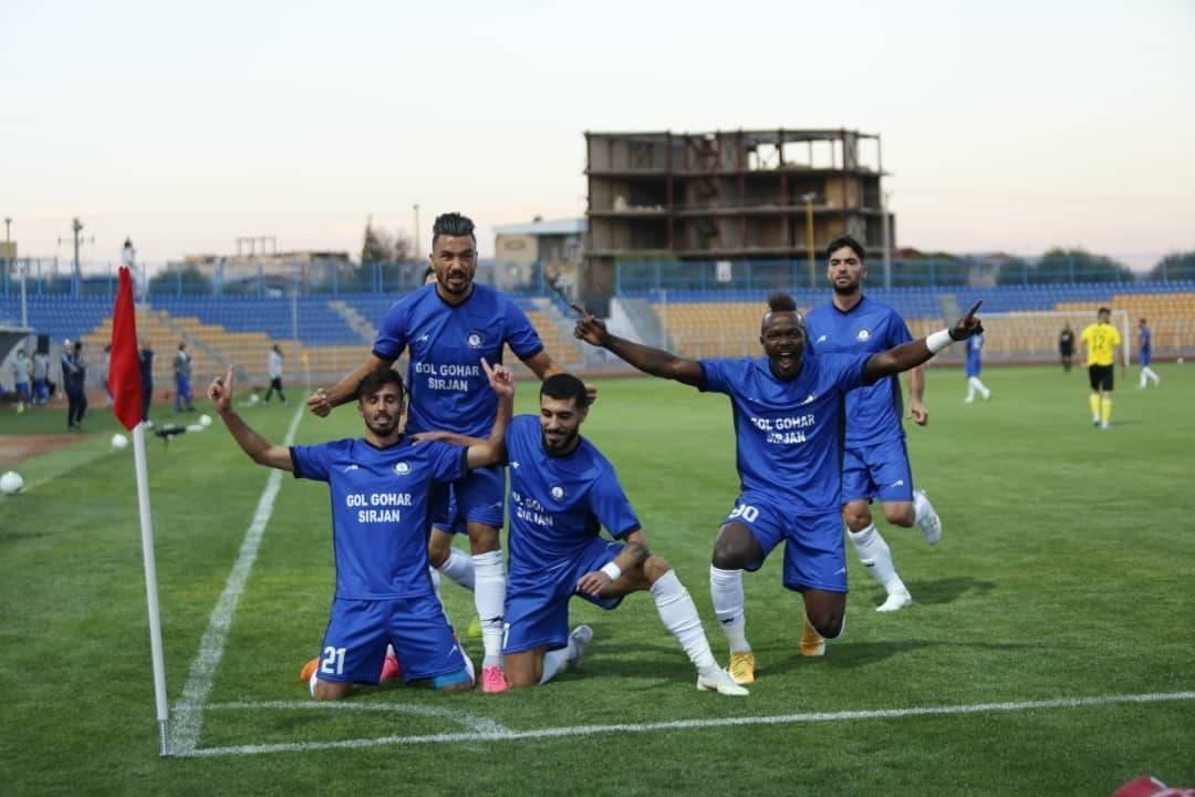 هفته اول لیگ برتر، گل گهر 3 - 1سپاهان